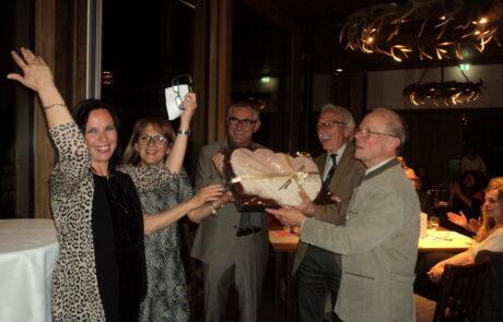 Cerimonia di consegna a Passau del fregio in Pietra di Vicenza a 3 dirigenti della WS che si sono succeduti negli ultimi 30 anni